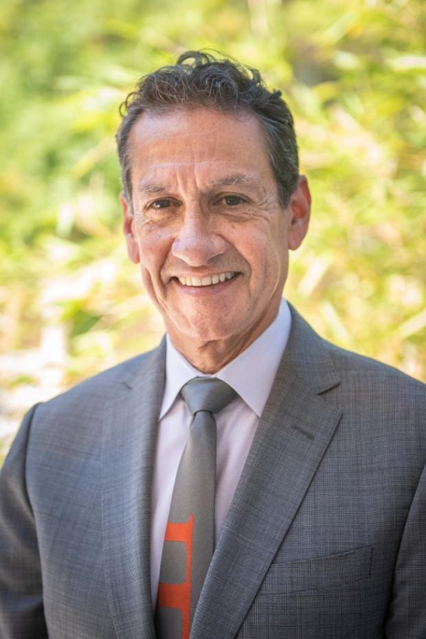 Abdominal Transplantation Division Chief Dr. Carlos Esquivel